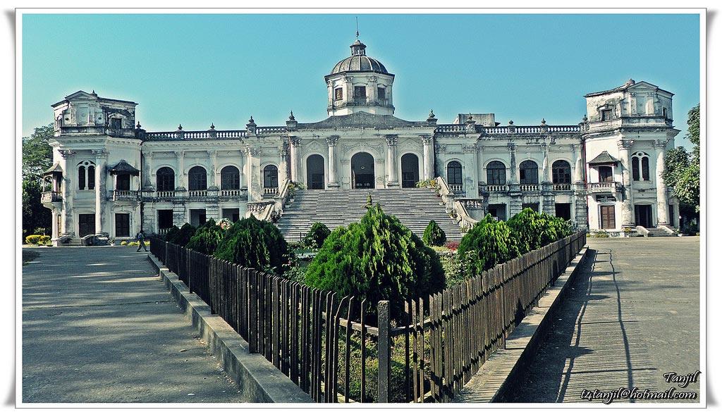 Tajhat Rajbari / Rangpur Museum